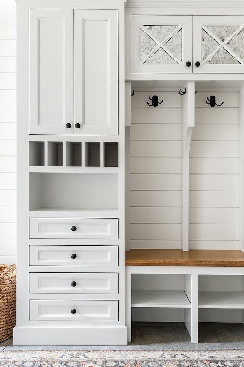 Drop Zone Vs. Mudroom: Maximize Entryway Space