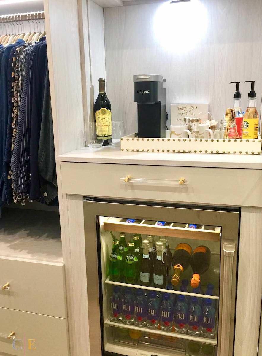 Closet Design Trends - closet bar