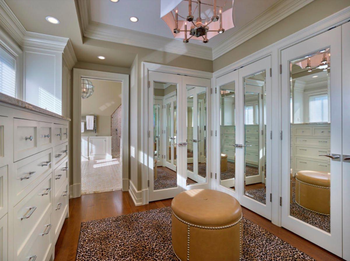 Closet Design Trends - mirrors